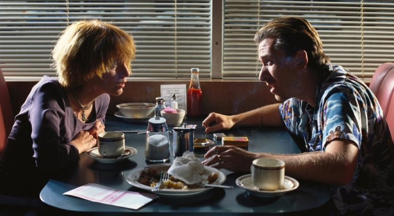 pulp-fiction-1994-001-pumpkin-honey-bunny-diner-2.jpg