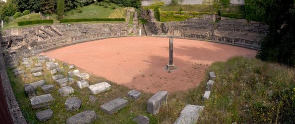 L'Amphithéâtre des Trois Gaules sur la colline de Croix-Rousse datant de l'an 19.